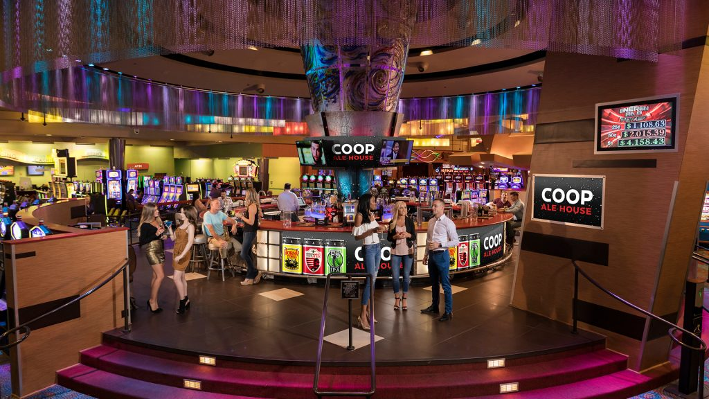 Riverwind Coop Ale House Bar Image